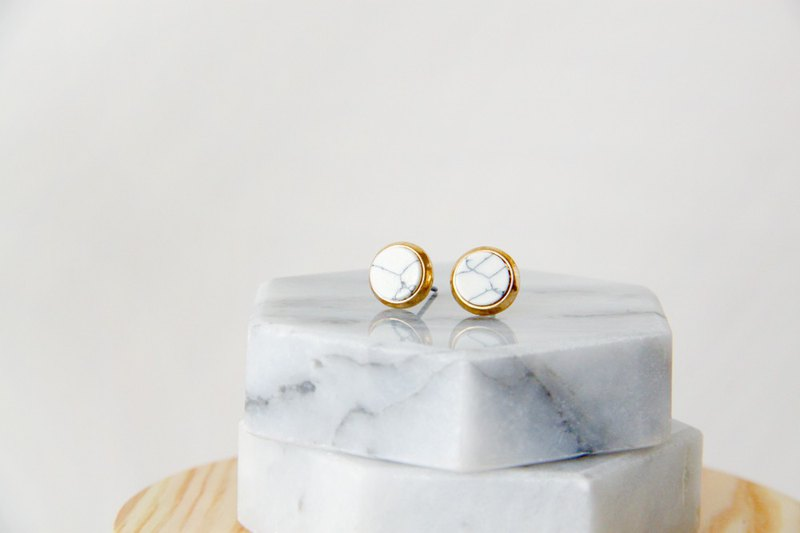 Inlaid gold-trimmed stone small round - stone-white earrings earrings (pair) [can be changed ear clip]