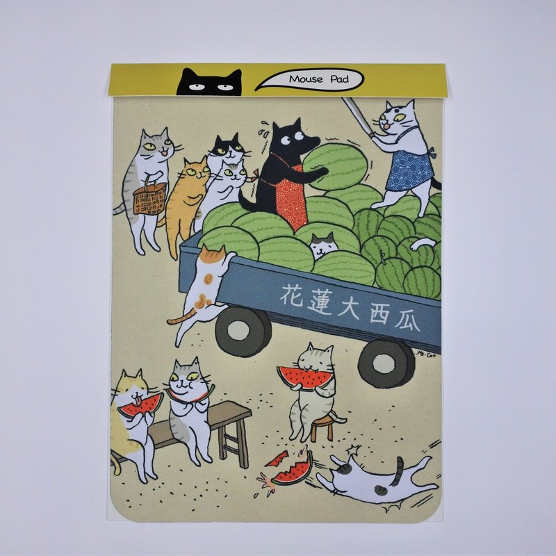 Three cat shop ~ cat eat watermelon mouse pad