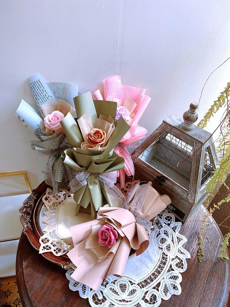 8種顏色 香氛玫瑰花束。給你們妳們 一人一束的小心意