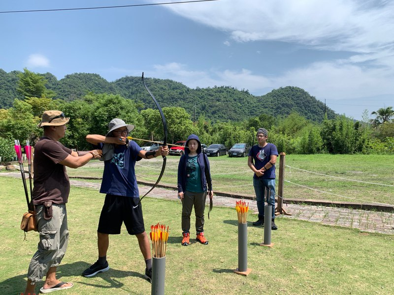 Traditional bow basic archery course