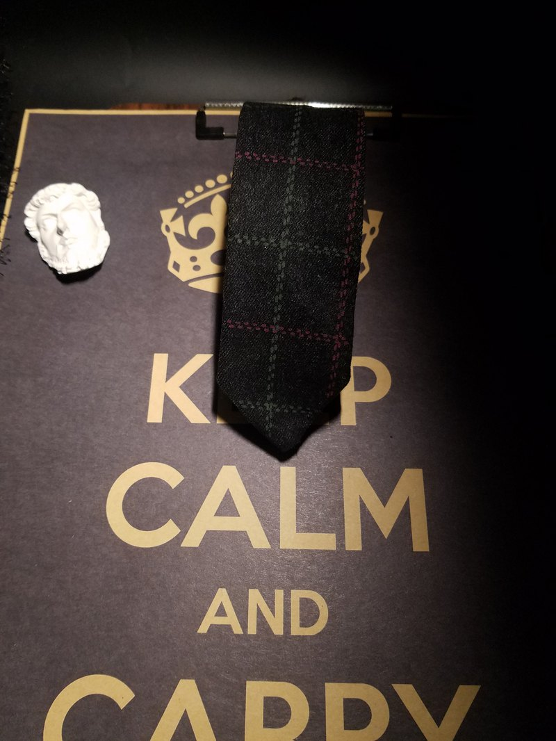 Black checked tie collegiate style leisure tie