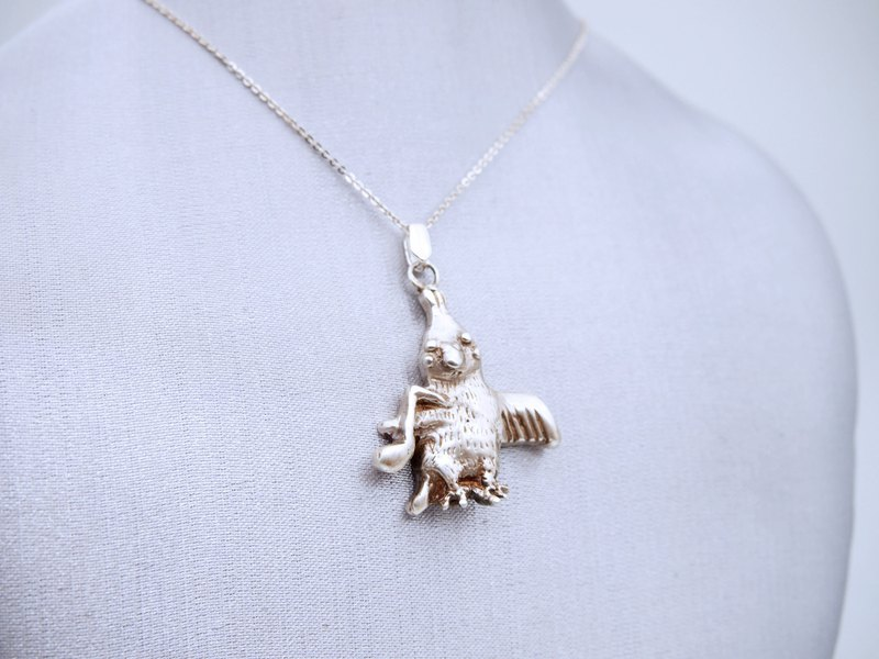 Happy little parrot sterling silver pendant (single price)