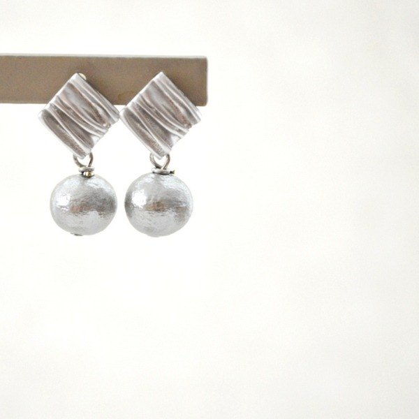 Earrings/Rhombus Cotton Pearl Pierce Matte Silver(silver925post)