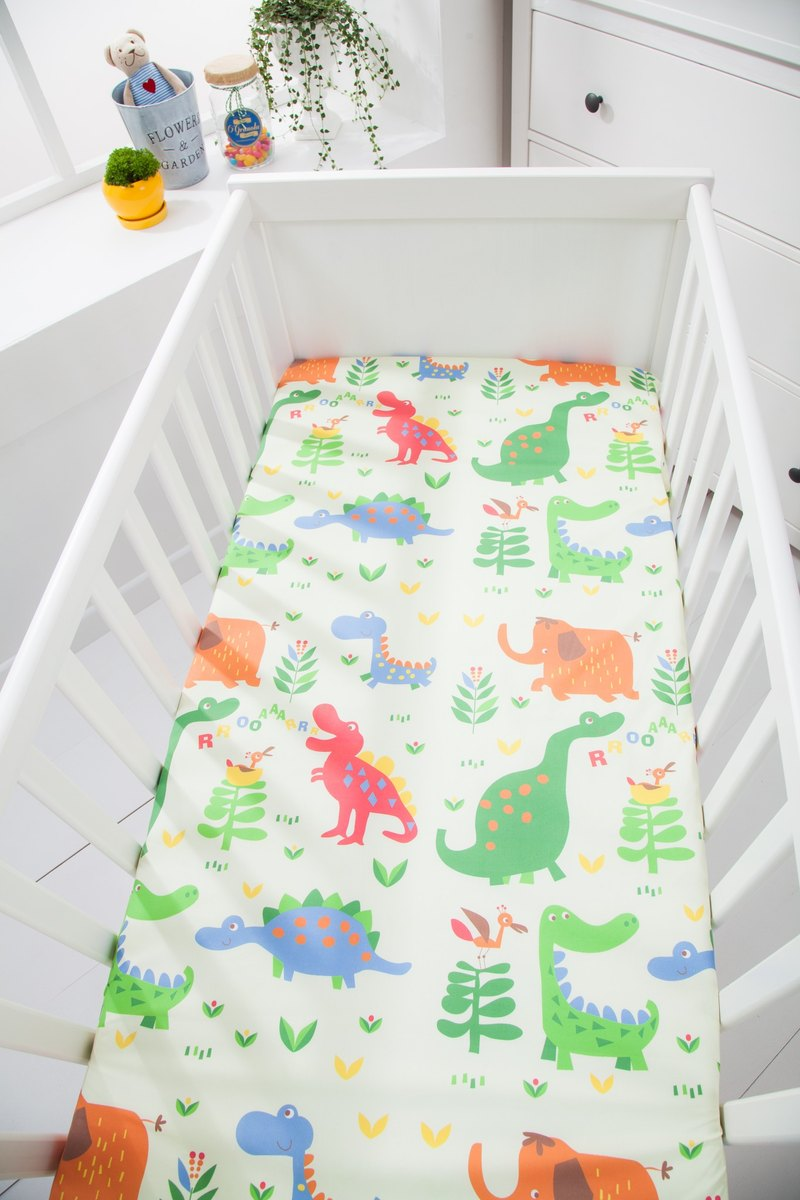 Waterproof and breathable cotton baby sheets <Dinosaur World> Diaper pad waterproof pad anti-mat pad