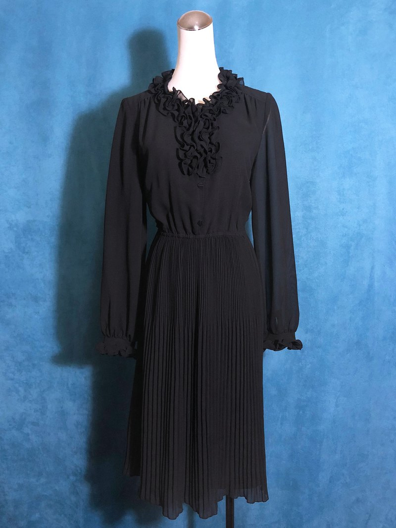 Solid color ruffled long sleeve vintage dress / bring back VINTAGE abroad
