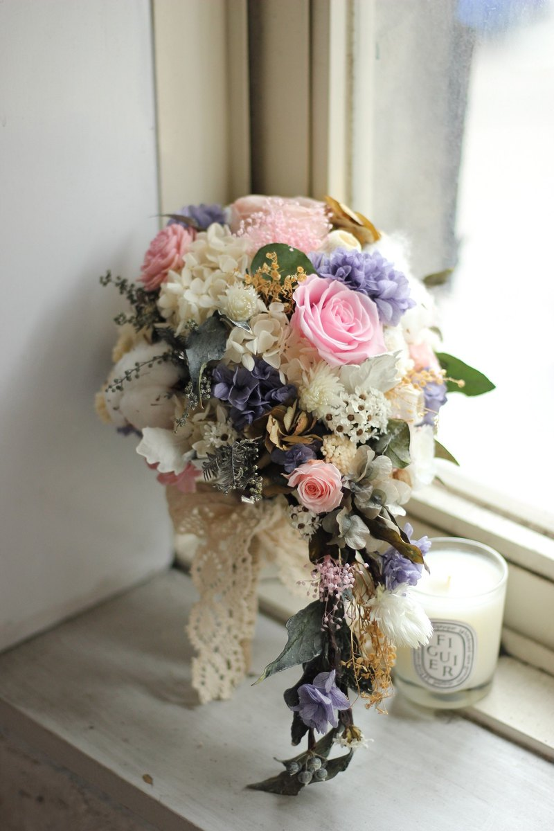 Not withering waterfall type bouquet dripping bouquet