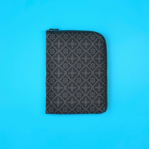 iPad Mini Sleeve / Begonia Glass Pattern / Gentleman Black