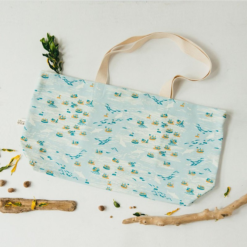 Horizontal Length Tote Bag/Sea Treasures_Fishing/Light Blue