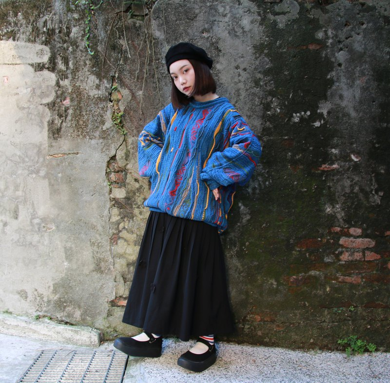 Back to Green::COOGI立體編織 點綴藍 //vintage sweater