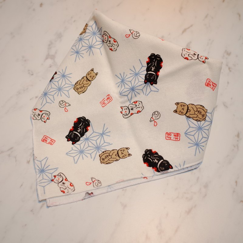 Dog hair ball handsome M number scarf towel scarf Japanese Lucky Cat no hair ball edge