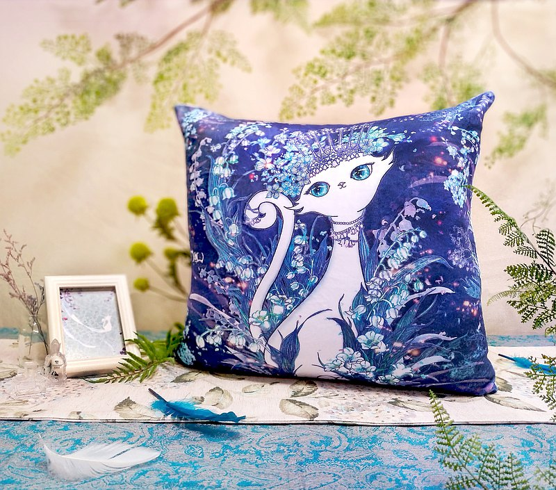 Flannel big pillowcase-elegant blue and white cat
