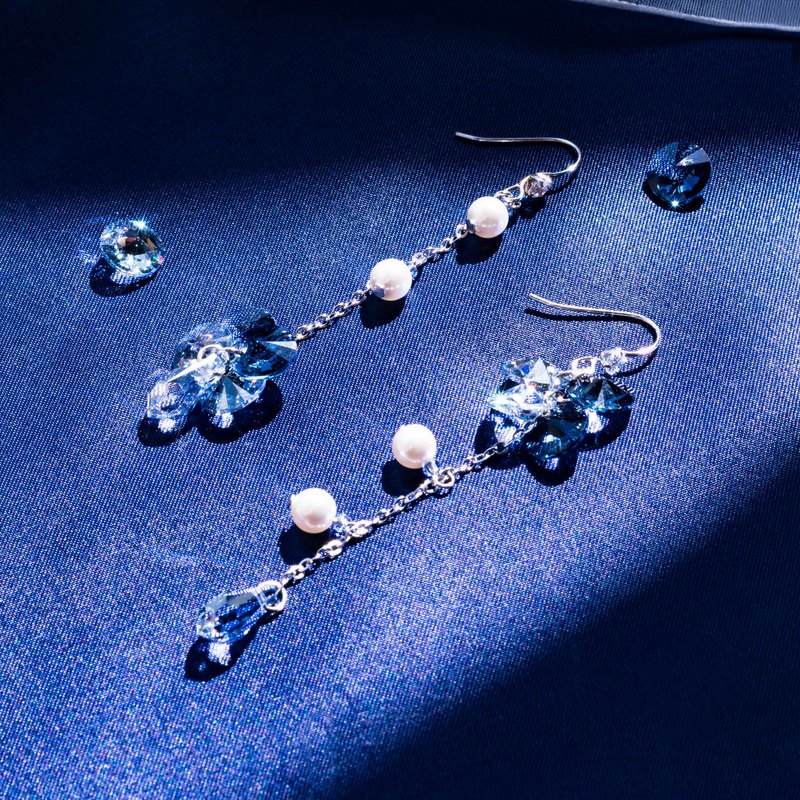 [Night Goddess ‧ Nicks] (Cold and luxurious) cut face crystal pearl asymmetrical earrings