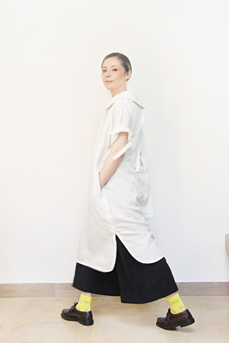 Round neck piece, open placket, A-line cotton and linen dress (rice white)