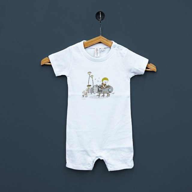 Happy Family fitted baby details of life in Japan, United Athle cotton short-sleeved package fart clothes feeling soft