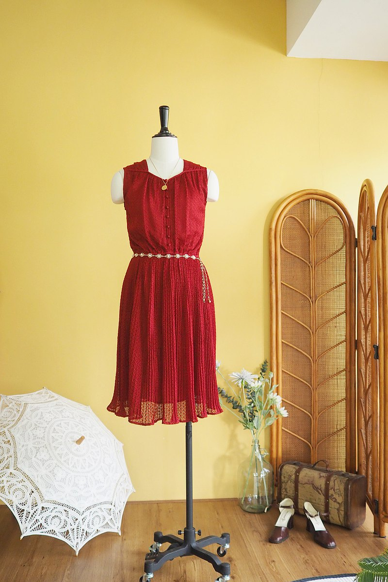 Vintage dress | Size M | Crimson red lace fabric very cute