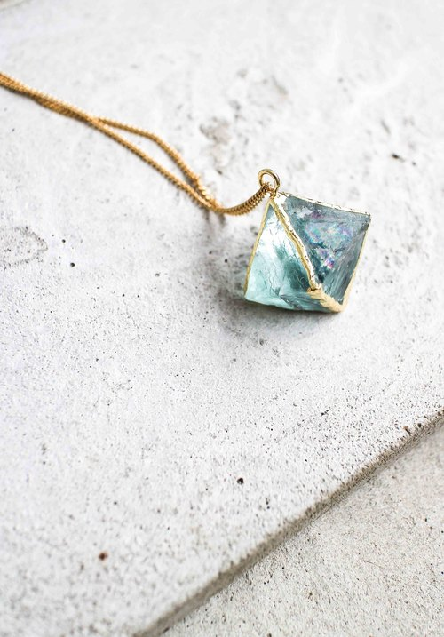 AQUA LIGHT Fluorite Necklace