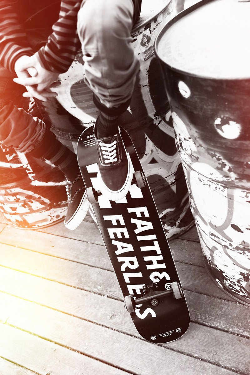 Faith & Fearless – Skateboard Black 黑色滑板