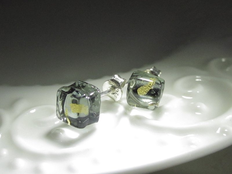 × | gold foil series | × glass earrings - STA mysterious gray - [] type