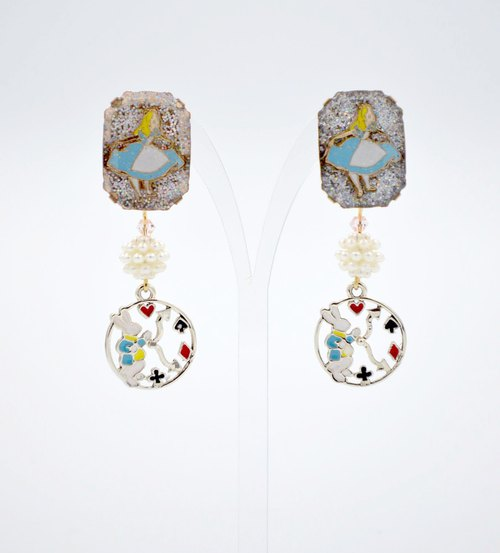 TIMBEE LO Alice Bead Earrings ALICE IN WONDERLAND