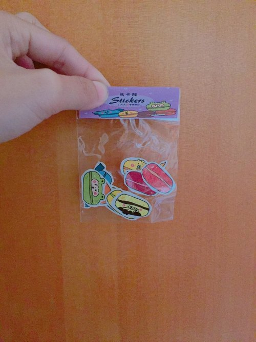 ❒ Macarons sticker set