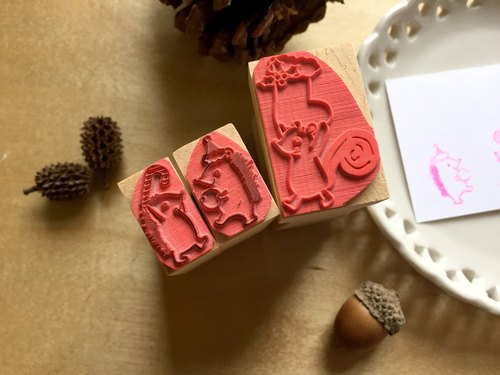 Zoe's Forest Christmas Forest Seal Set Squirrel / Hedgehog Rubber Stamp Christmas exchange gifts