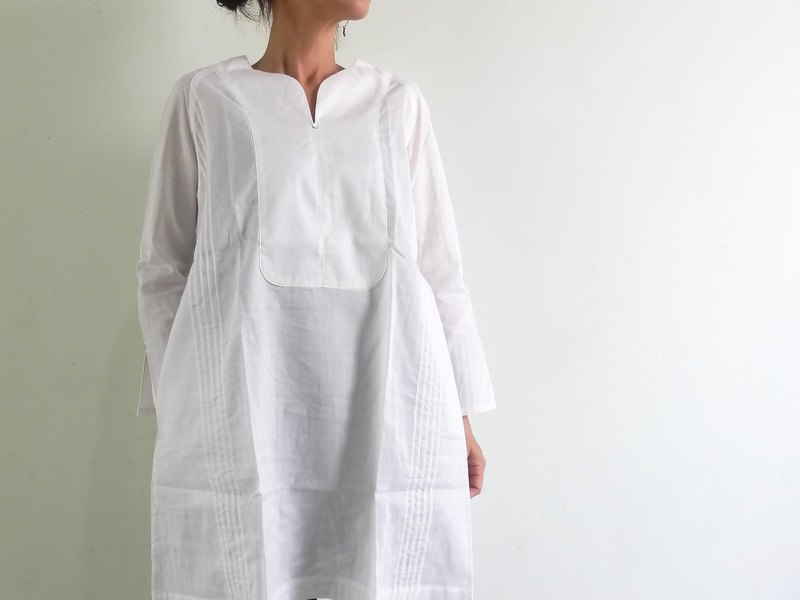 White shirt / pre-organic cotton / raglan sleeve