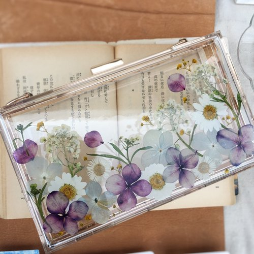 A limited amount of real flowers dry Flower Holder package evening bag Hydrangea daily package CLUTCH