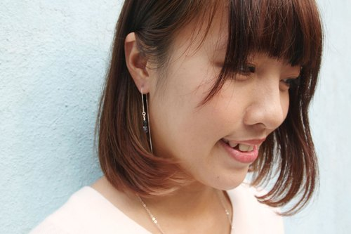 925 silver earline with mother pearl and cordierite 925 sterling silver ear (black mother of stars, 菫 bluestone)