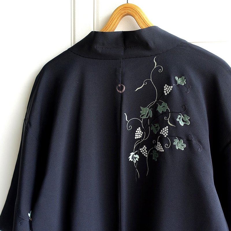 │Slowly│ Japanese Antiques - Light kimono coat M28│ .vintage retro vintage theatrical...