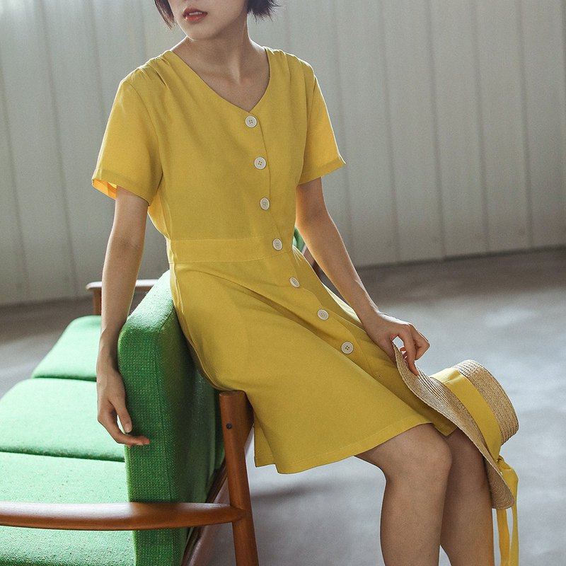 LEMON TREE bright yellow Saint custom button Tiansi Ma French retro dress Lin Qingxia Benxia