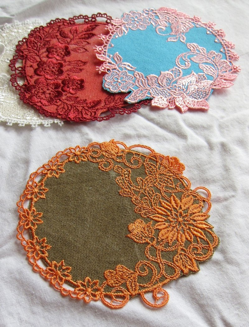 Four season embroidered coasters