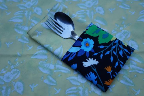 After a small fresh garden petunia X Light yellow morning glory & Secret garden placemats <one pair / 1 pair>