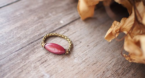 Ellipse shell beads brass ring ring (red)