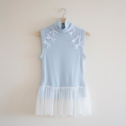 Transformation of old clothes: Baby Blue Ribbon Knit Vest