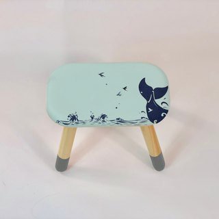 Whale's tail │ small bench