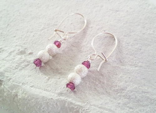 Snowman ◇ Road Light Garnet SV Earrings