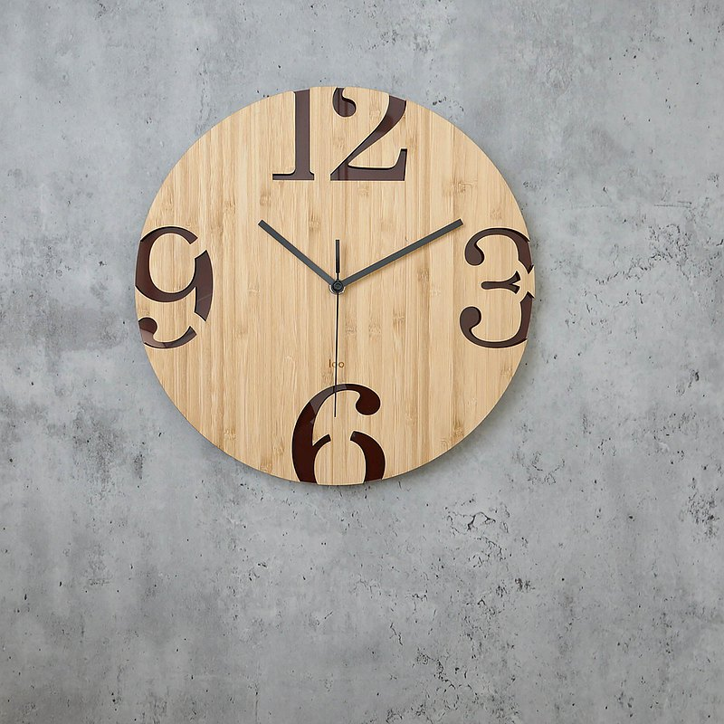 LOO Wall Clock | Big Numbers . Retro . Brown