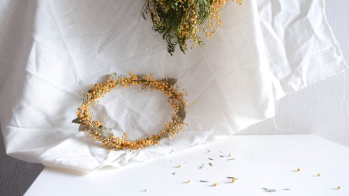 Core garland series [Lazy yellow] dry flower wreath space layout