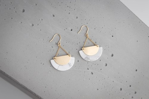 ICELAND earrings with natural White Turquoise marble effect and dainty chain
