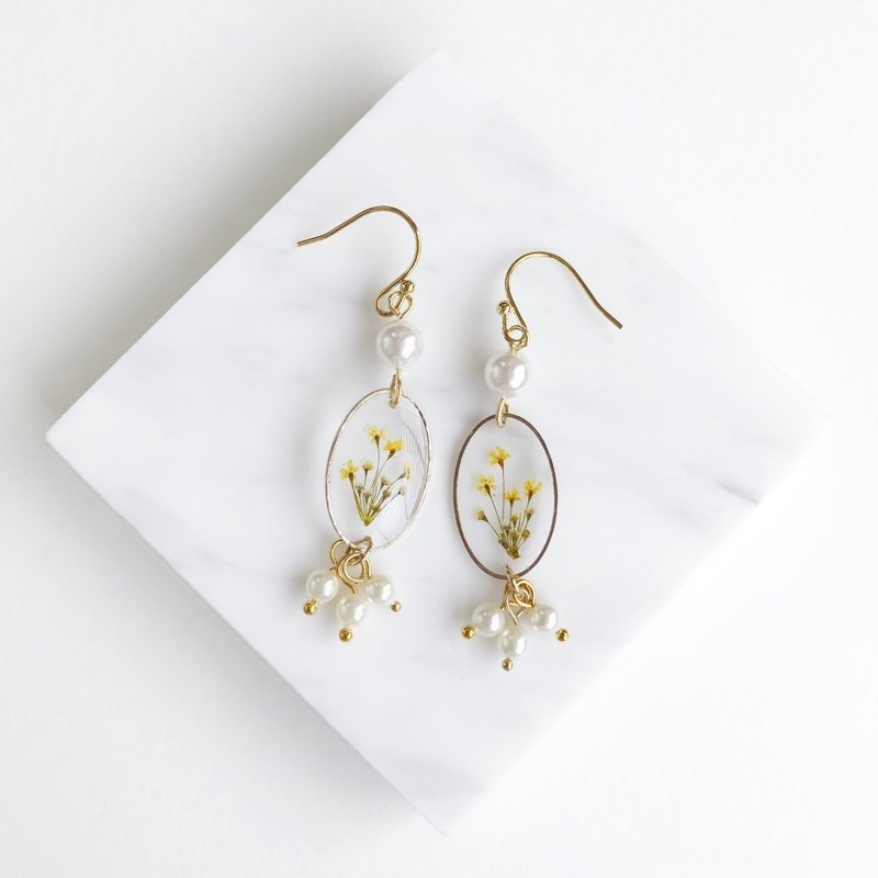 Real flower pressed flower 18KGP earrings with Swarovski Pearl