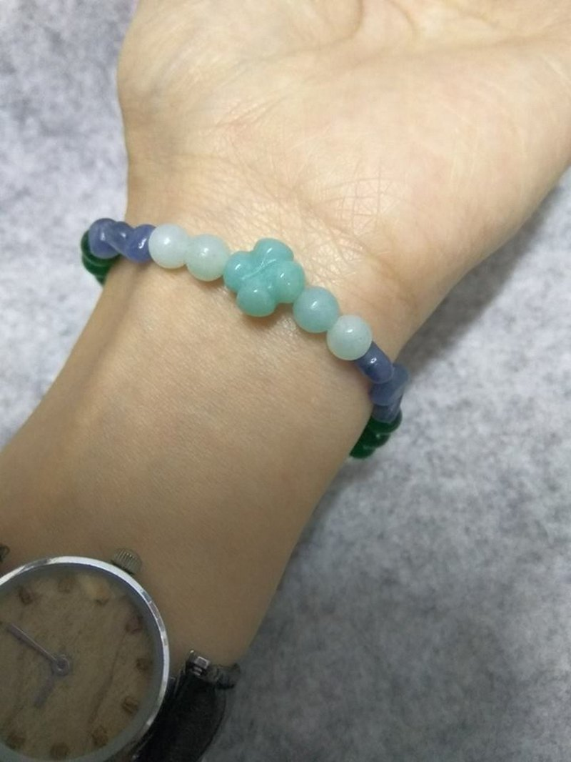 + Spirituality + Kyanite Tianhe Shilv Ghost Green Chalcedony White Crystal Customized Single Bracelet