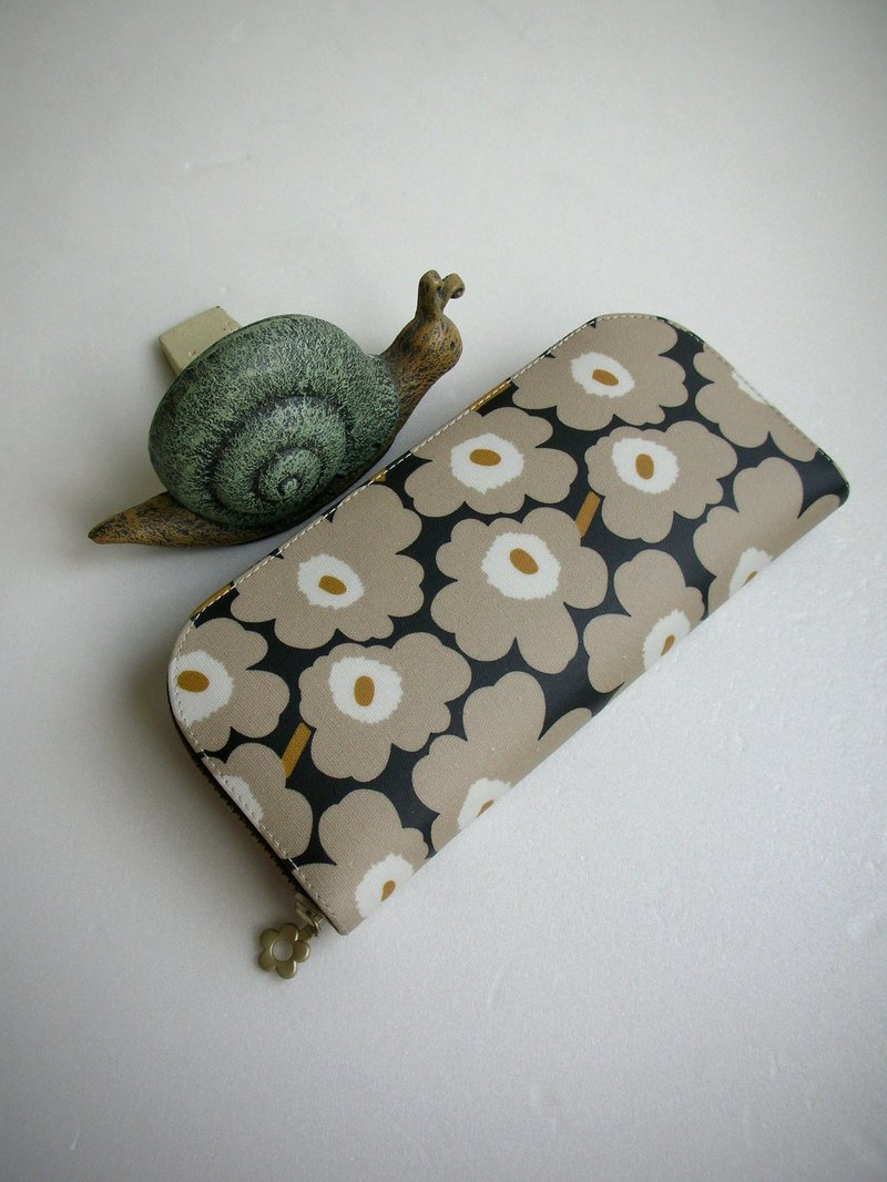 Poached egg flower All tarpaulin - long clip / wallet / purse / gift