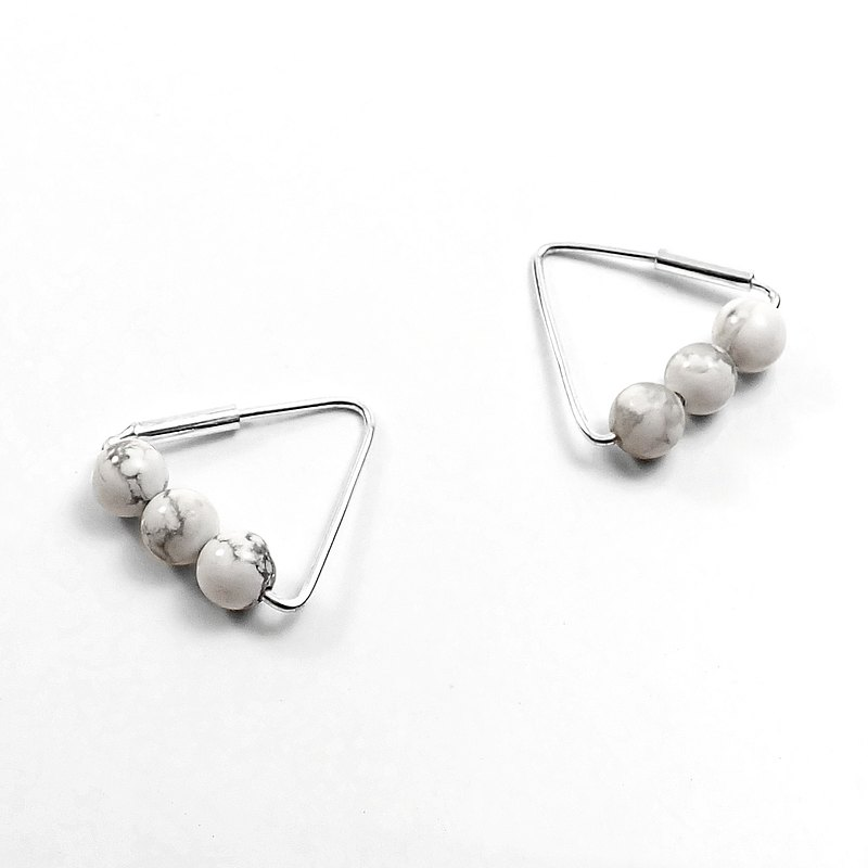 限量 - 瘋狂幾何   白色大理石紋珠珠+中三角形925純銀線耳環