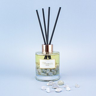 """Summer Hills"" Crystal Reed diffuser"