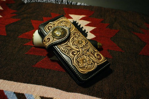 Bad uncle study extremely hand knight carved long clip / leather carving / Taiwan / staff hand made / brass buckle / nest gun produced rigorous products