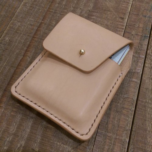 Handmade hand-dyed leather credit card holder (free printing)
