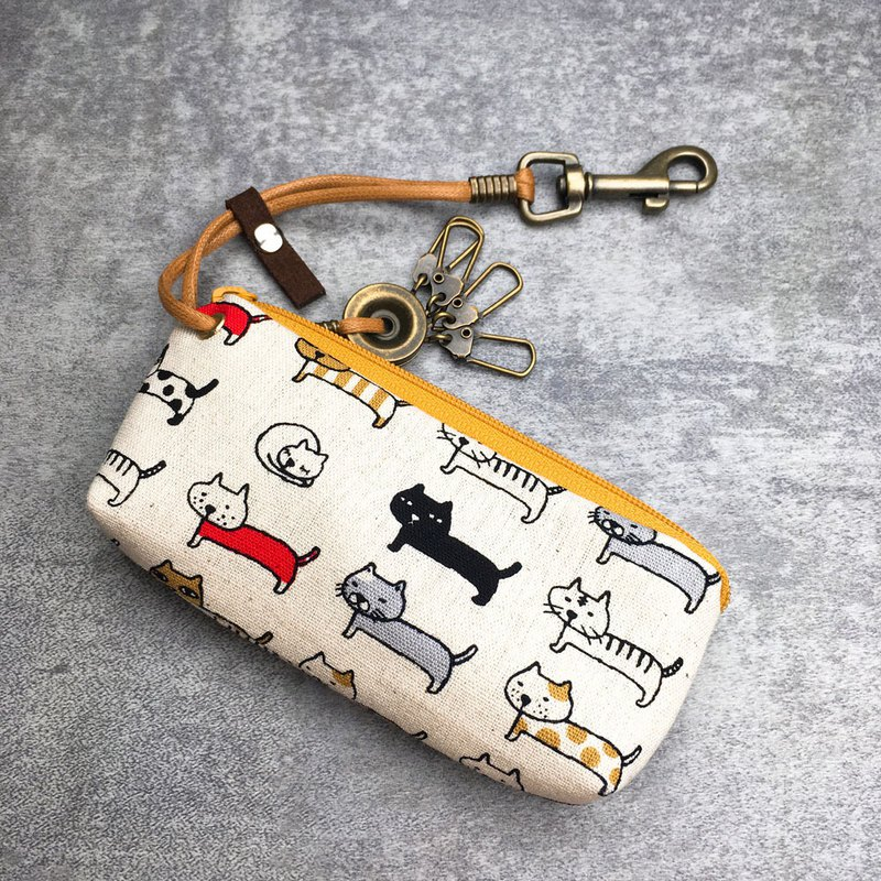 Zipper key case (milk row of cats) Japanese cloth order production*