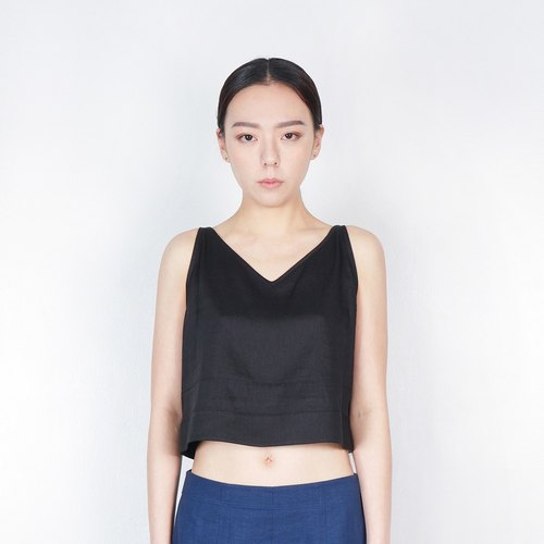 V-neck vest thin shoulder short black