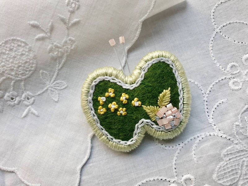 Embroidery Brooch (Butterfly Green)
