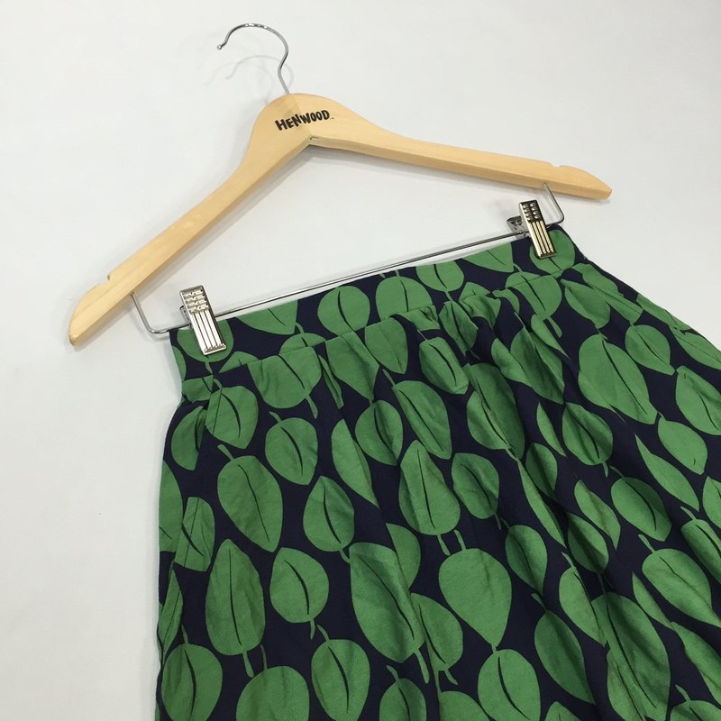 - Chicken Day - Blue Green Leaves Comfortable Spring Skirt (Custom Size)